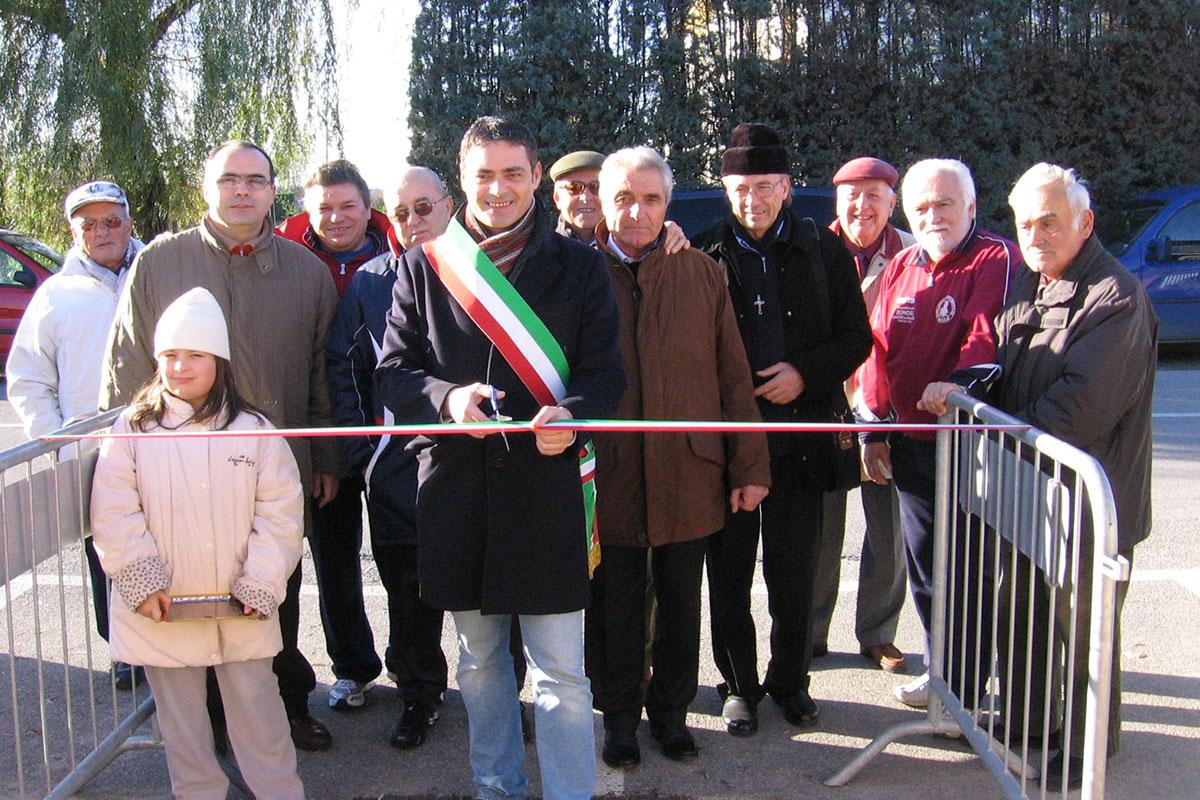 Il Sindaco Paolo Pavani all'inaugurazione della tribuna - 10 dicembre 2006