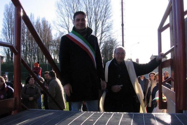 Il Sindaco Paolo Pavani e Don Enzo all'inaugurazione