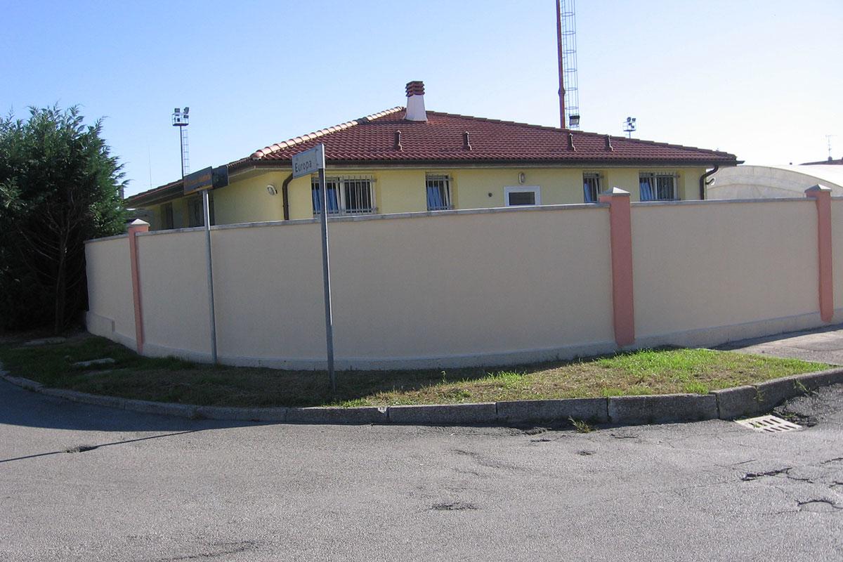 Costruzione della Mura in Via Europa - Impresa Cicci e Brandy - Agosto 2006